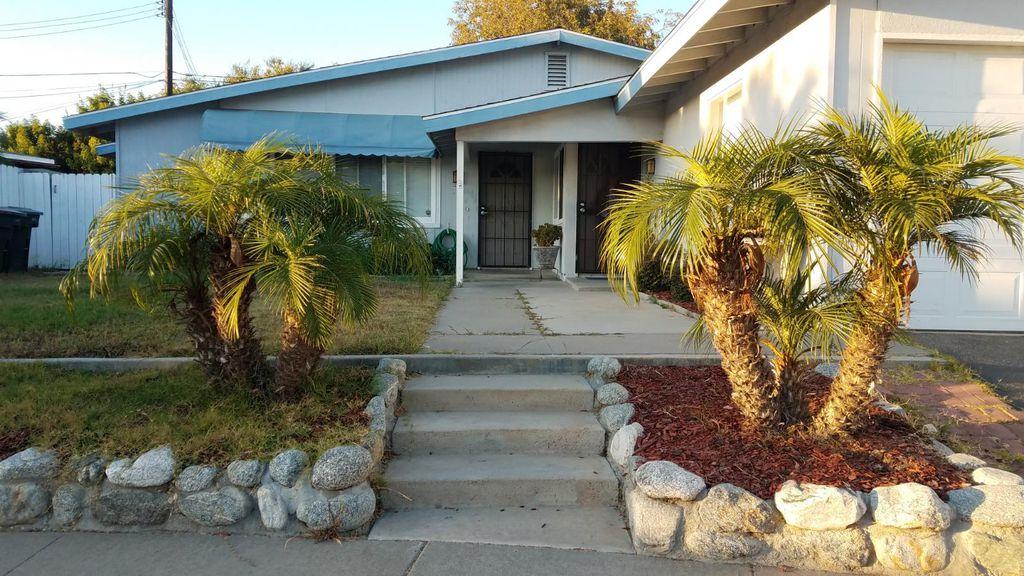 1016 American Pl, Costa Mesa, CA 92627