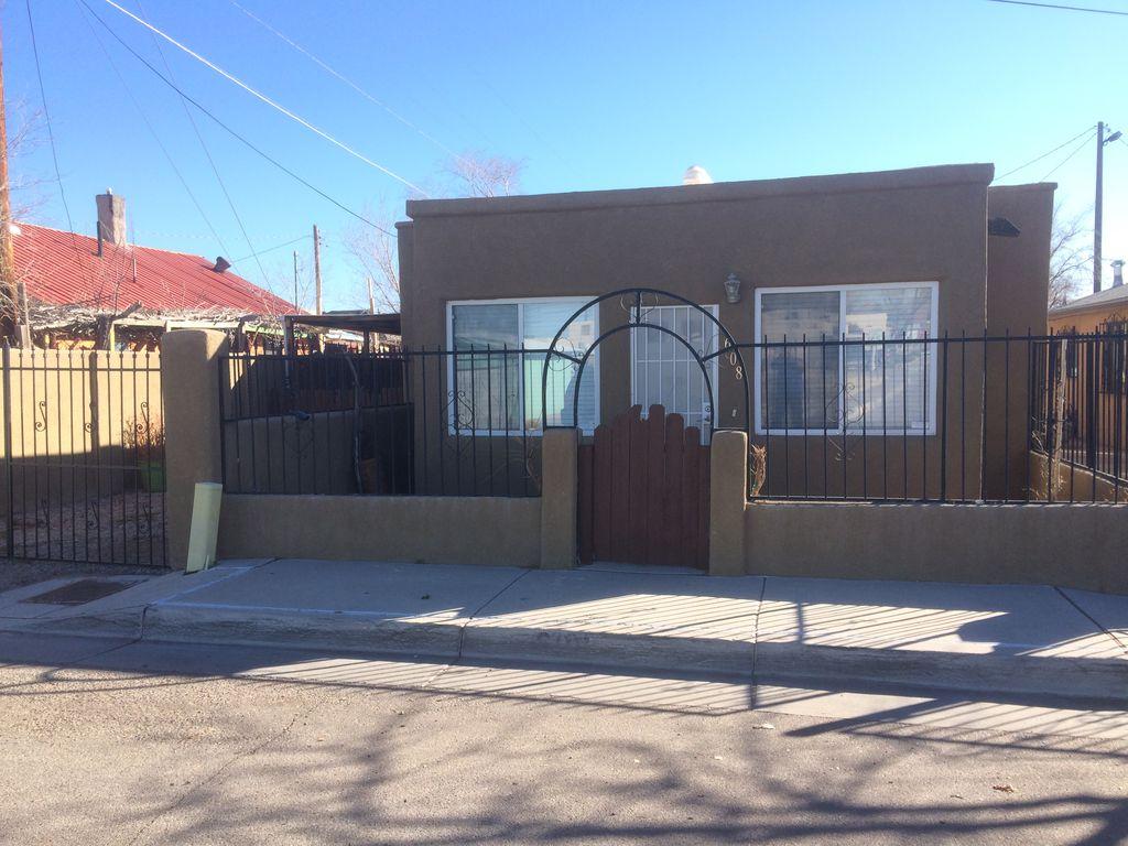 608 7th St SW, Albuquerque, NM 87102