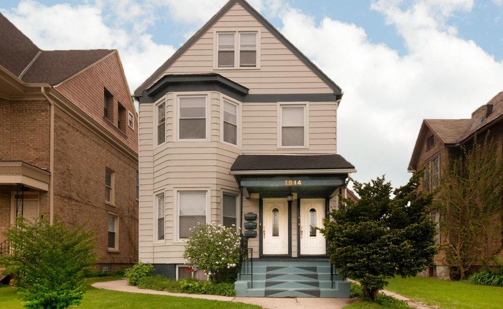 1914 Asbury Ave, Evanston, IL 60201