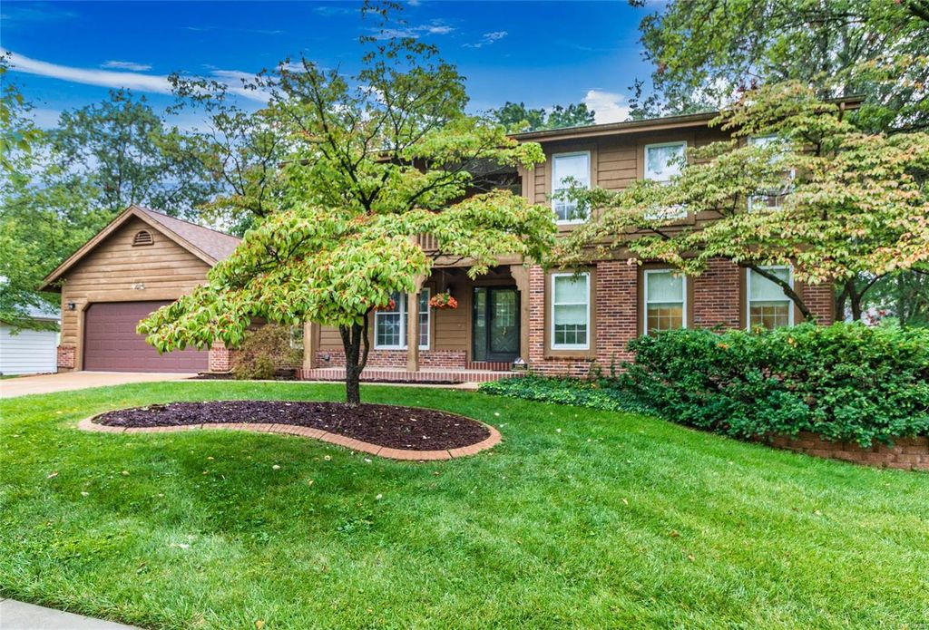 15992 Woodlet Way Ct, Chesterfield, MO 63017