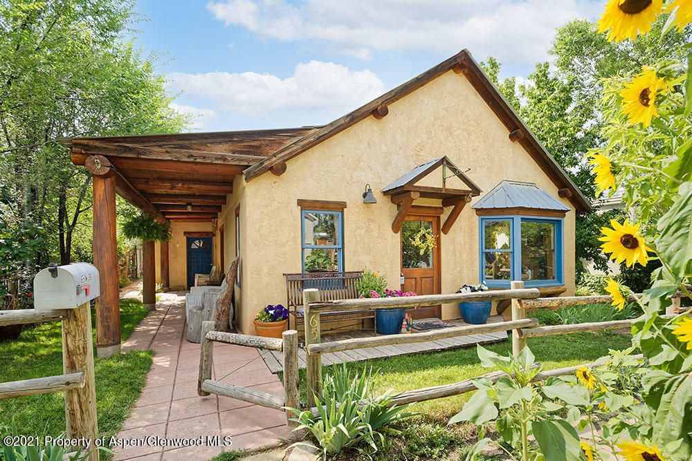 65 N 3rd St, Carbondale, CO 81623