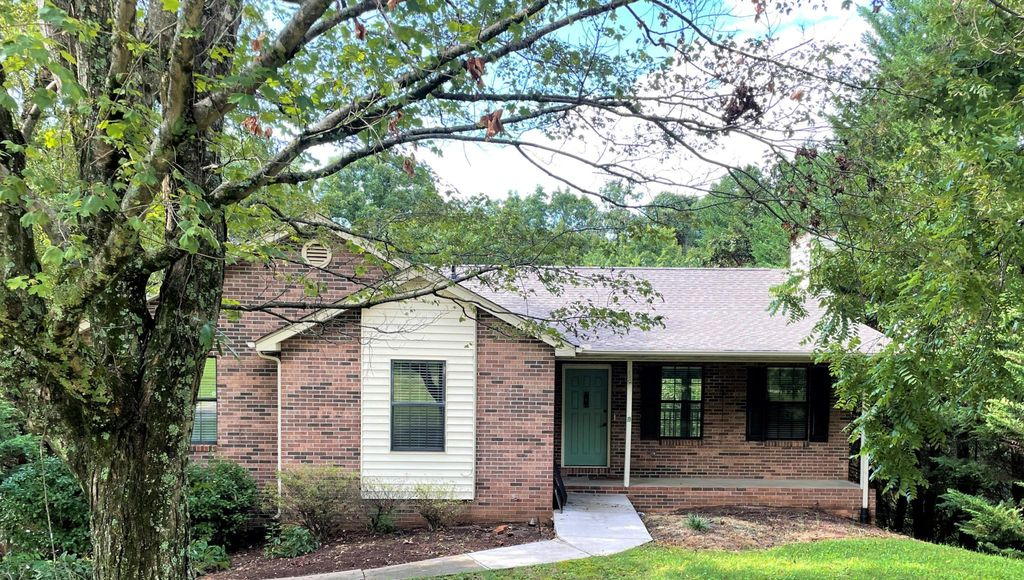 6109 Ridgeview Rd, Knoxville, TN 37918