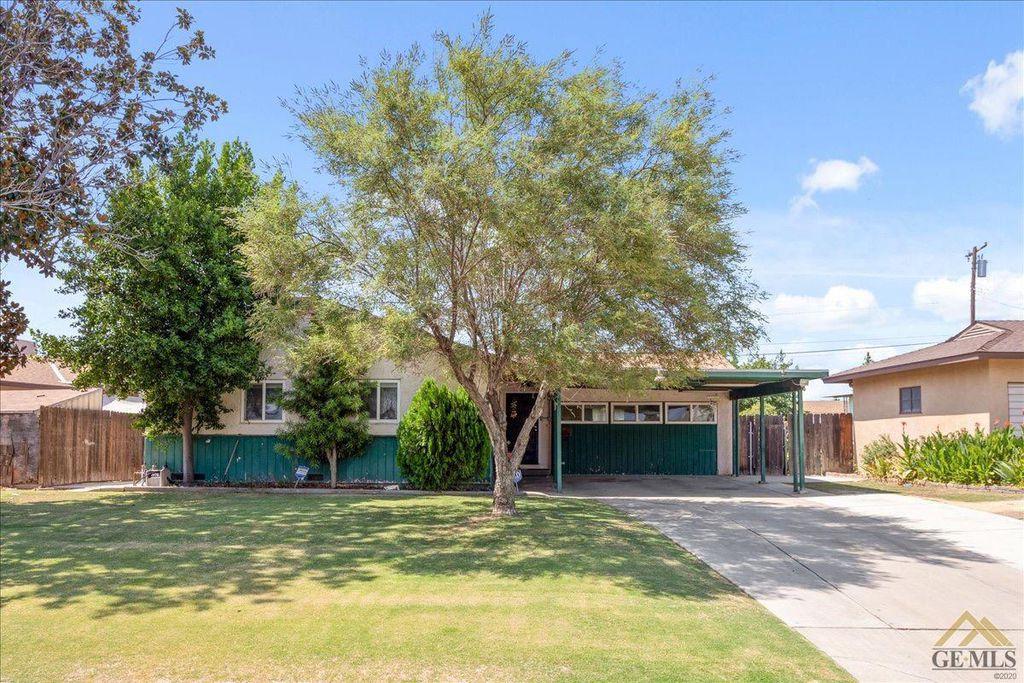 1215 Lindsay Dr, Bakersfield, CA 93304