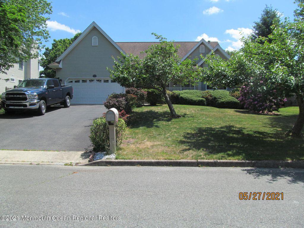133 Compass Rd, Manahawkin, NJ 08050