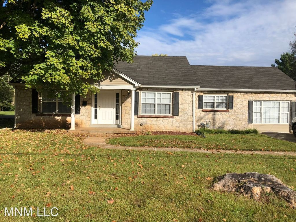 845 Nutwood St, Bowling Green, KY 42103