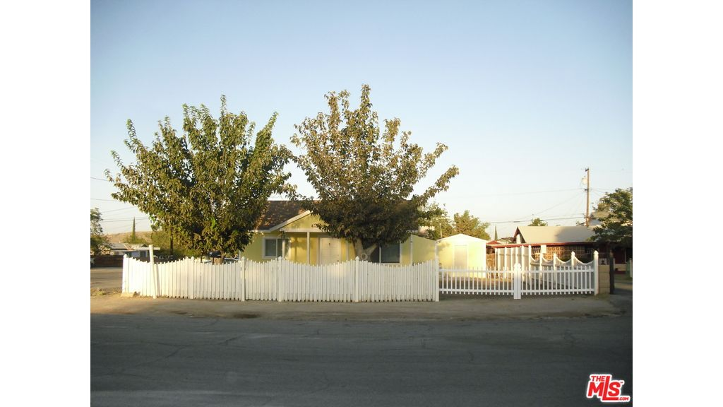 518 Fillmore St, Taft, CA 93268