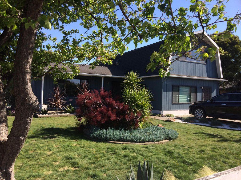 350 Bartlett Ave, Hayward, CA 94541