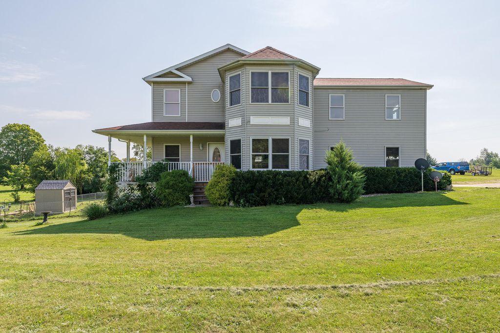 2303 Hillandale Rd, Benton Harbor, MI 49022