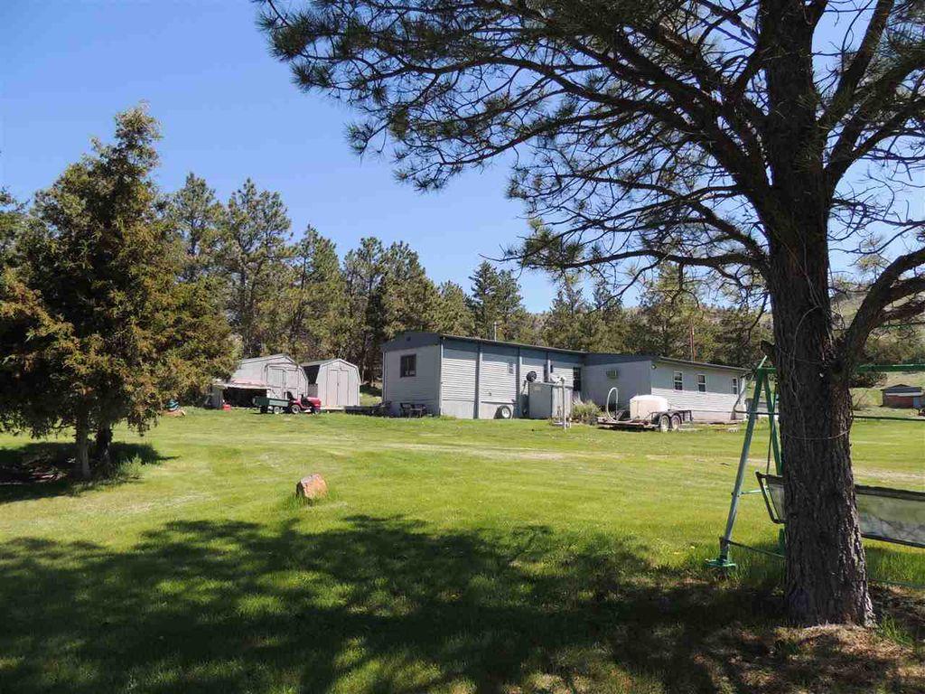 28304 W Flag Pole Rd, Hot Springs, SD 57747