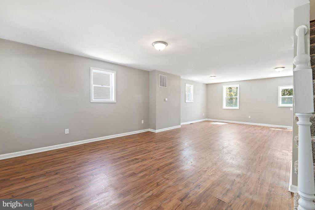 3329 W Garrison Ave, Baltimore, MD 21215