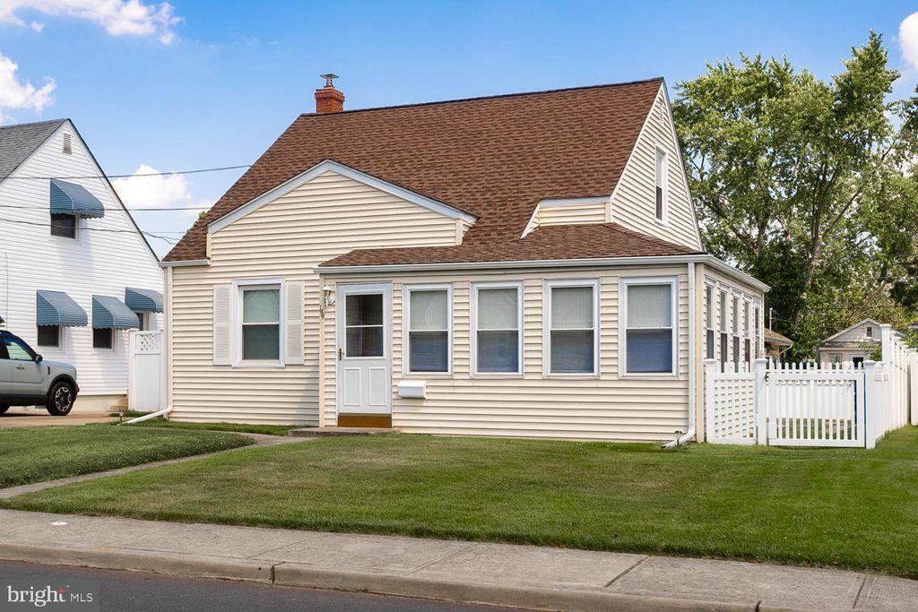 144 Harcourt Dr, Trenton, NJ 08610