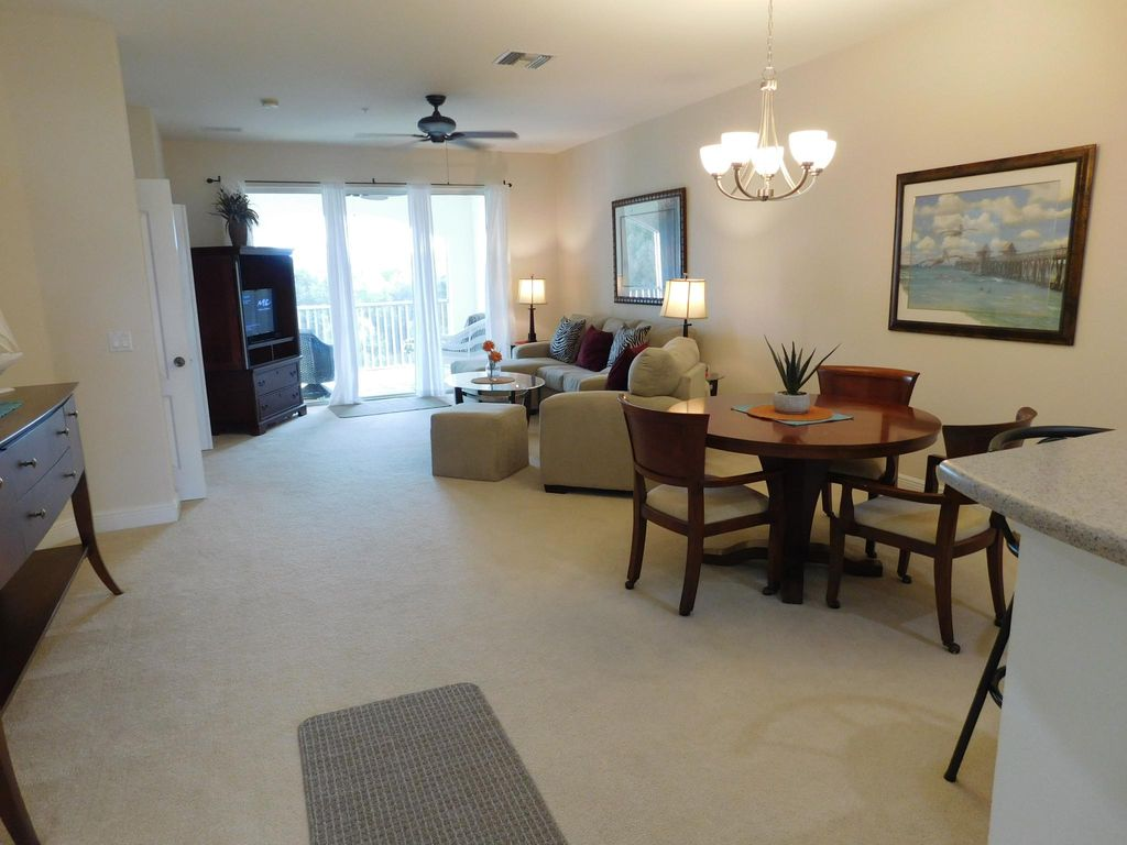 11021 Gulf Reflections Dr #402, Fort Myers, FL 33908