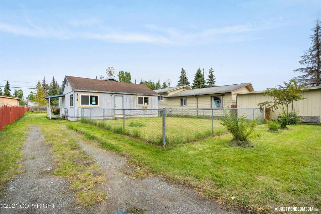 3213 Oregon Dr, Anchorage, AK 99517