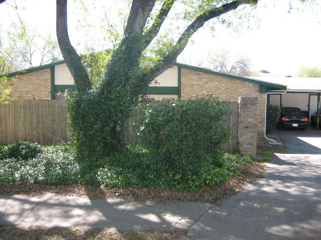 1401 Marlborough Cir #B, Austin, TX 78753
