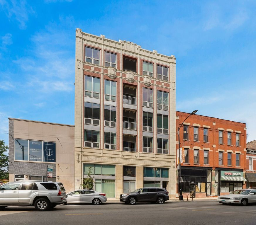1927 N Milwaukee Ave #202, Chicago, IL 60647
