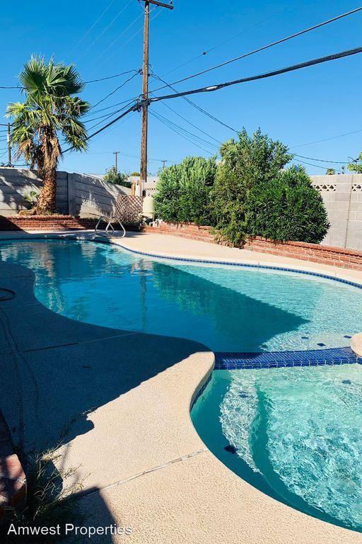 715 Carpenter Dr, Las Vegas, NV 89107