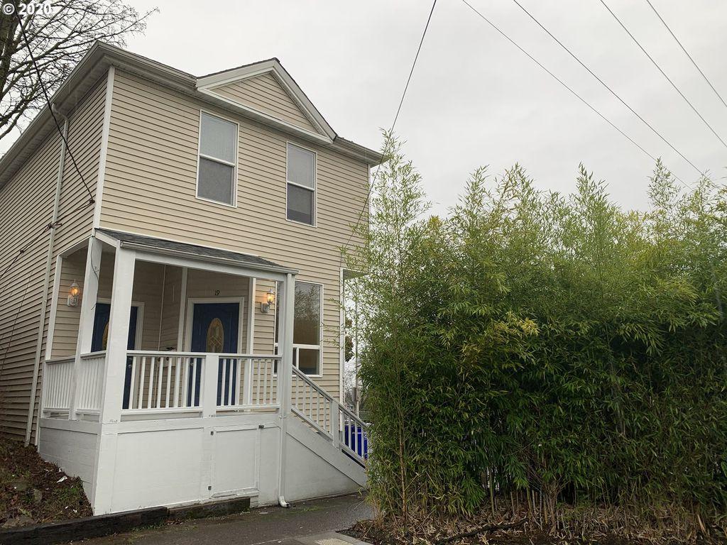19 SW Hooker St, Portland, OR 97201