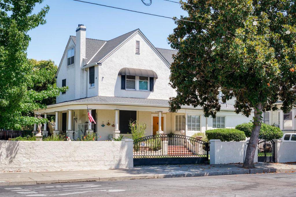 39 W Poplar St, Stockton, CA 95202
