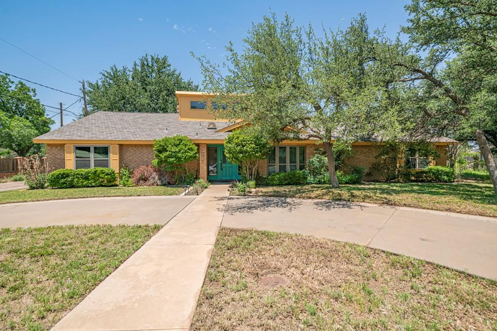4314 Arroyo Dr, Midland, TX 79707