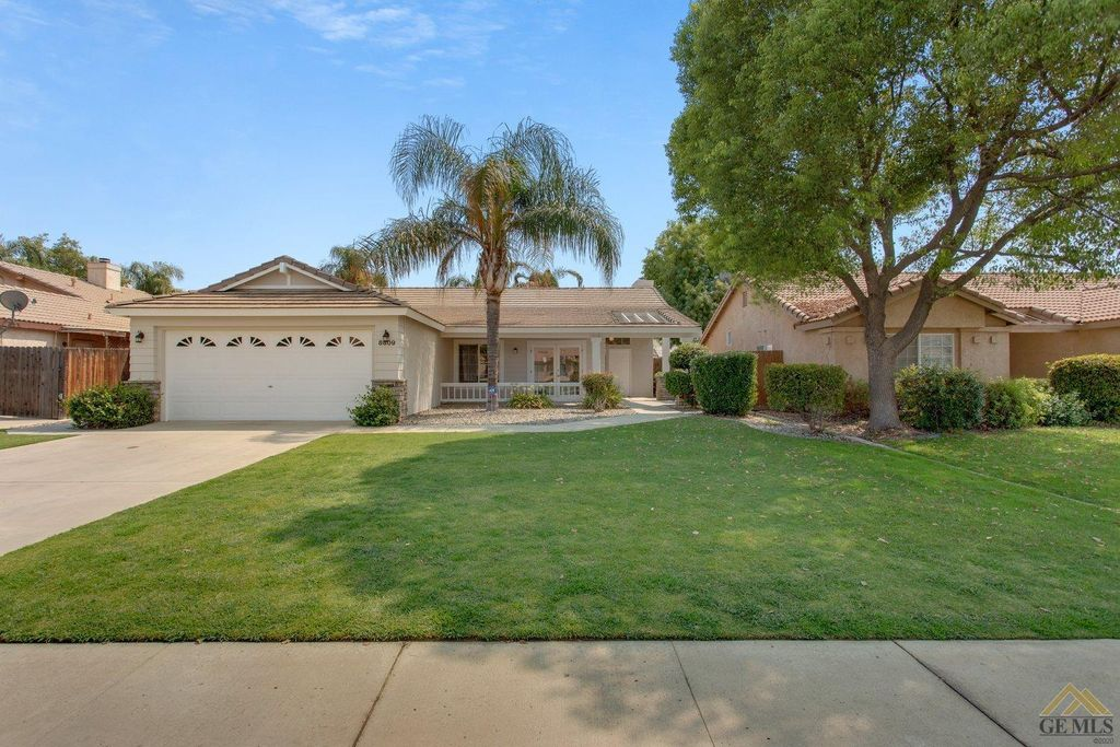 8809 Penticton Ct, Bakersfield, CA 93312