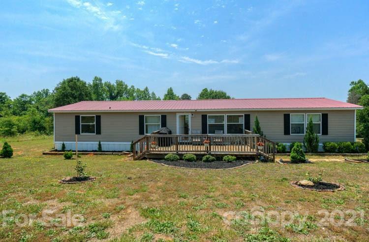 150 Lake Rd, Mooresboro, NC 28114