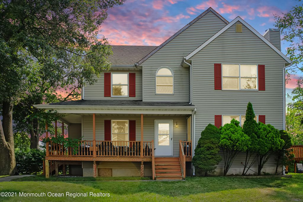 648 Monmouth Ave, Port Monmouth, NJ 07758