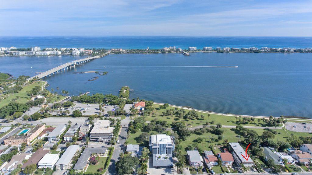 230 S Lakeside Dr #4, Lake Worth Beach, FL 33460