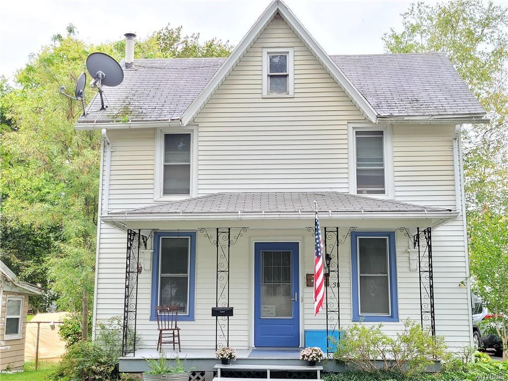 38 Genesee St, Mount Morris, NY 14510
