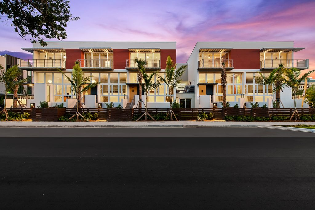 900 NE 4th St #R8R566, Fort Lauderdale, FL 33301