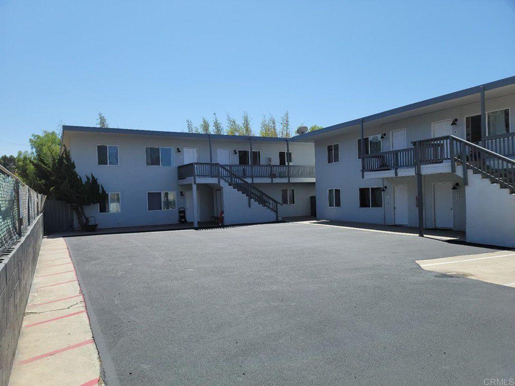 951 Oak Ave, Carlsbad, CA 92008