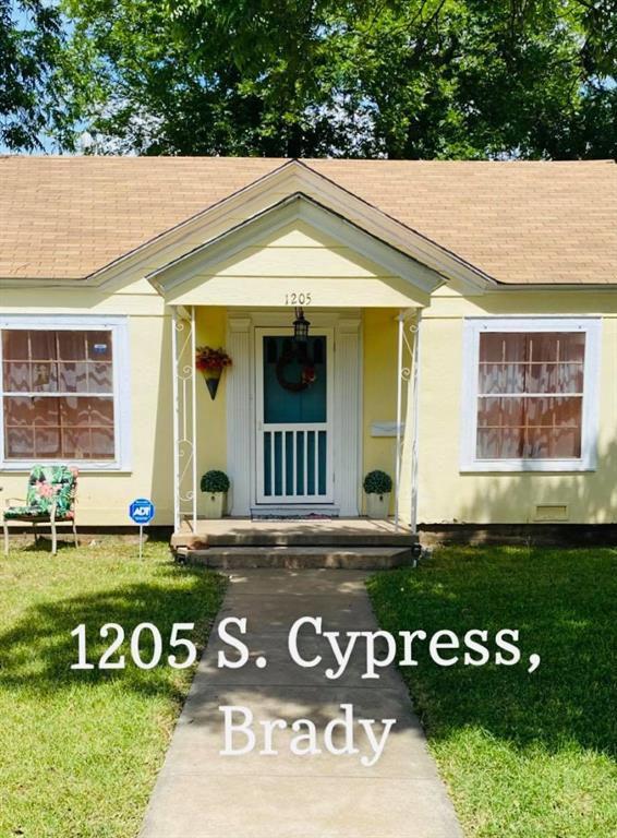 1205 S Cypress St, Brady, TX 76825