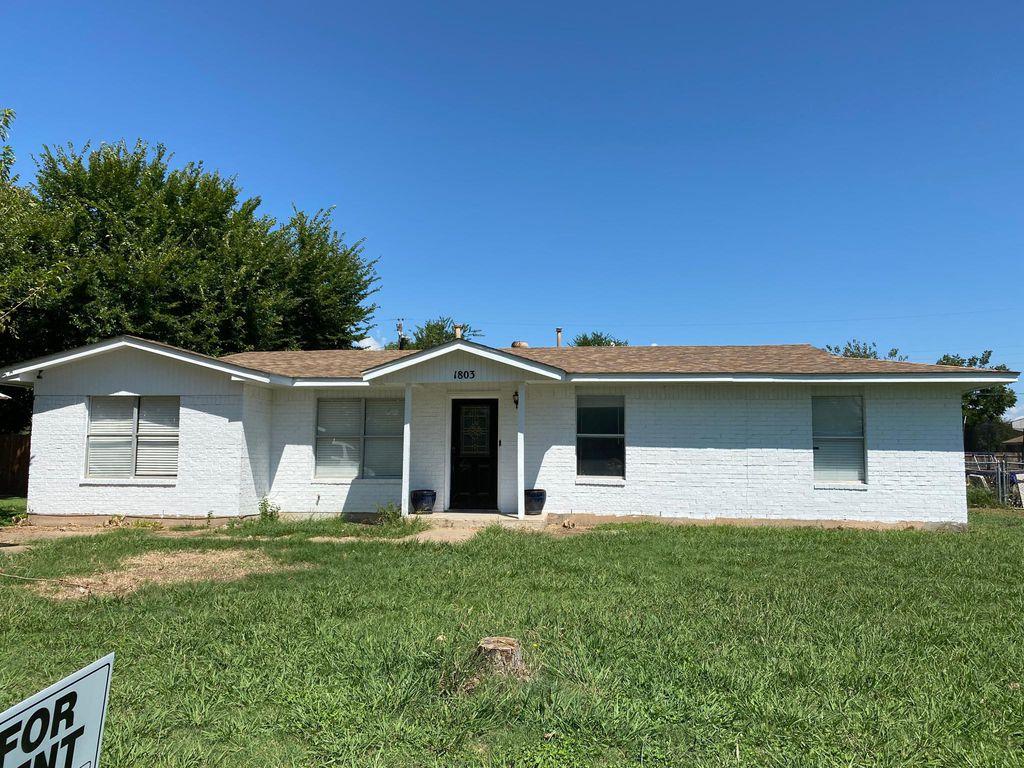 1803 SE 13th St, Mineral Wells, TX 76067