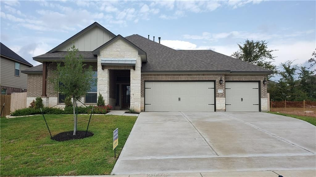 2714 Talsworth Dr, College Station, TX 77845