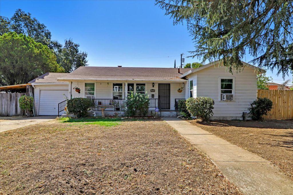 2316 E Acacia St, Stockton, CA 95205