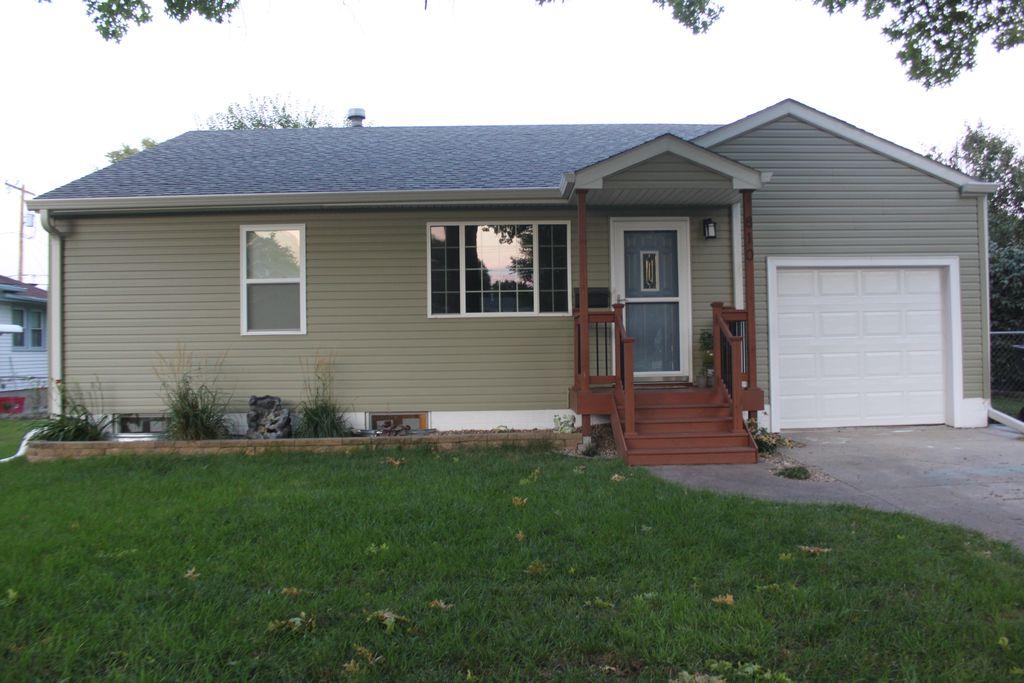 810 N Hewett Ave, Hastings, NE 68901