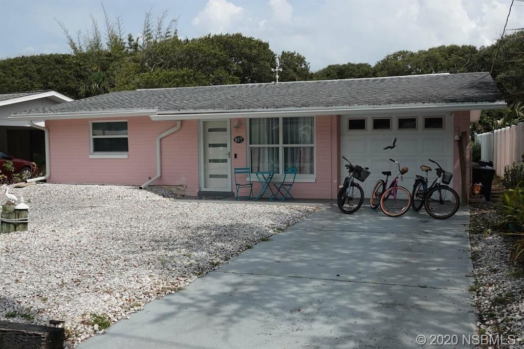 817 E 10th Ave, New Smyrna Beach, FL 32169