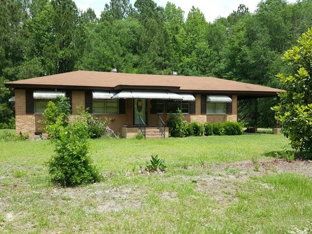569 Mill Pond Rd, Varnville, SC 29944