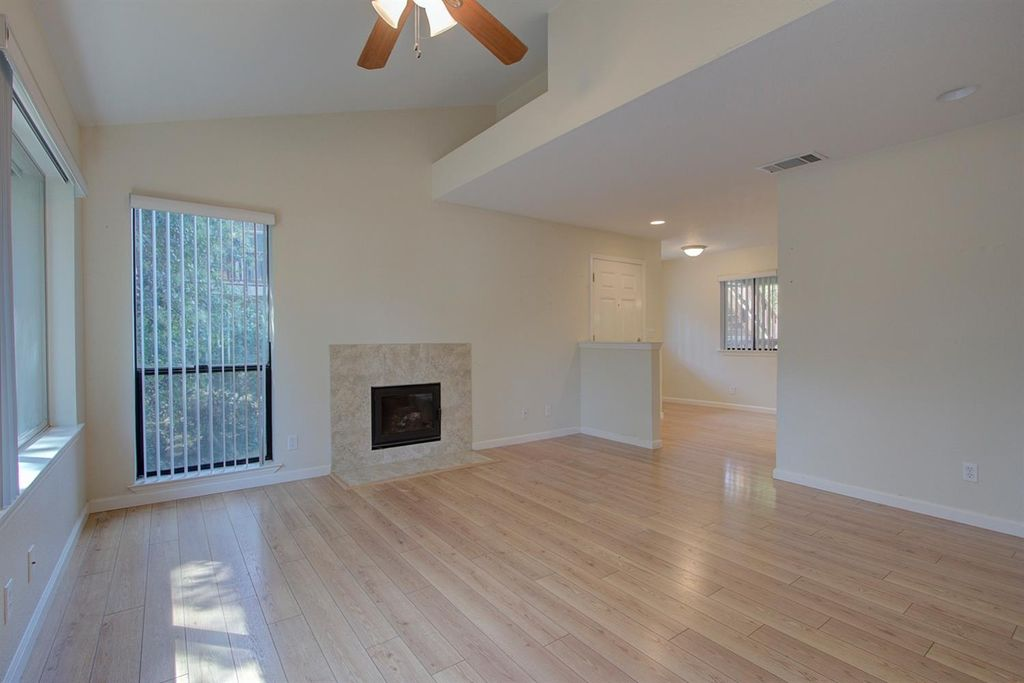 7733 Lauppe Ln #18LO, Citrus Heights, CA 95621