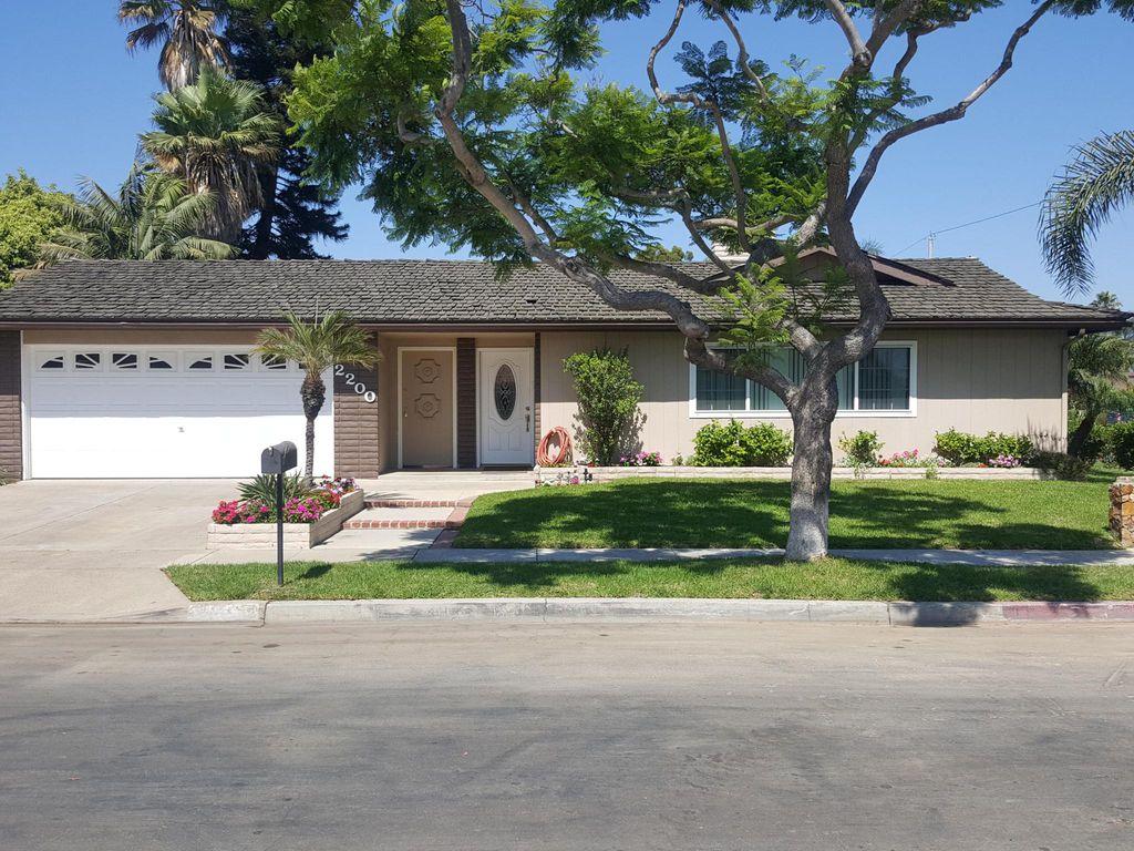 2200 Francisco Dr, Newport Beach, CA 92660