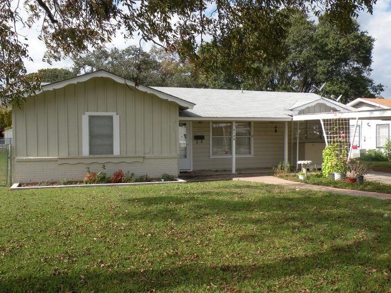 2126 S Pine St, Brady, TX 76825
