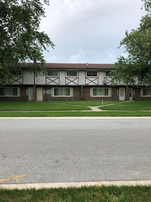 7424 Noble St, Merrillville, IN 46410