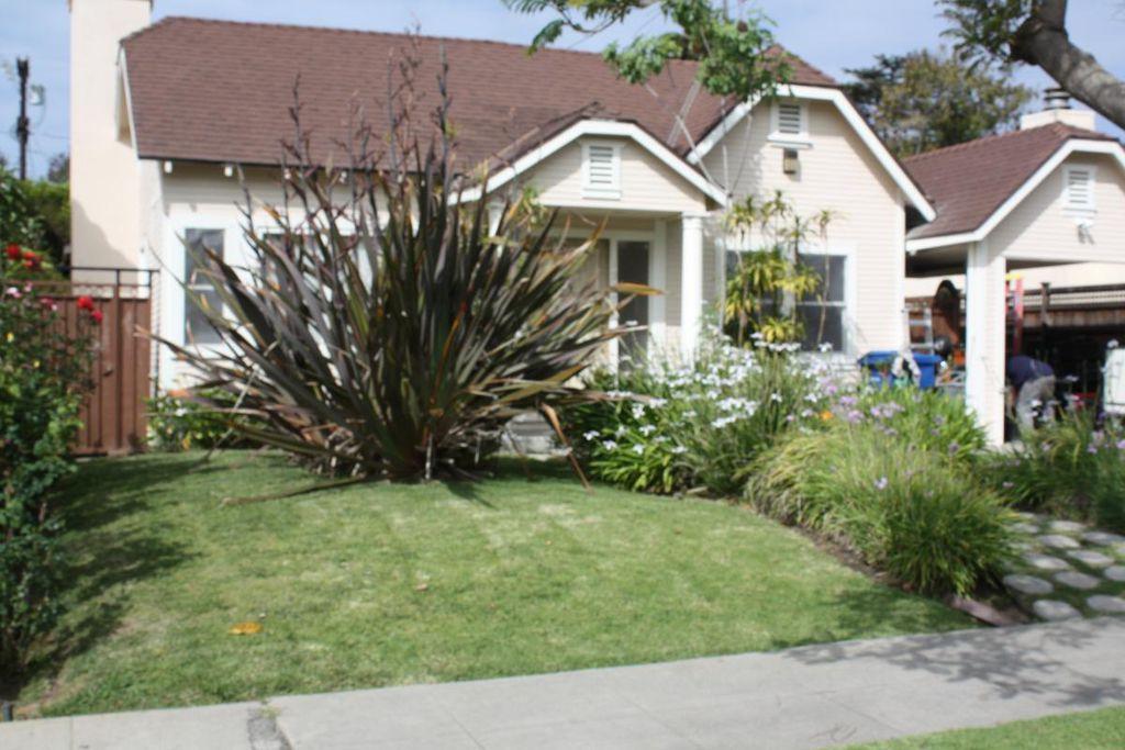 1947 Kelton Ave, Los Angeles, CA 90025