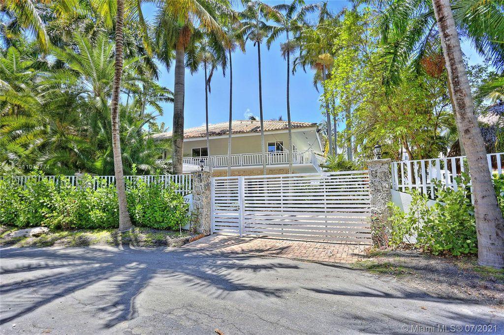 3577 Stewart Ave, Miami, FL 33133