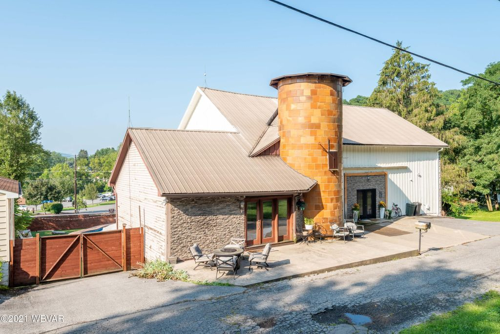 2106 Northway Rd, Williamsport, PA 17701