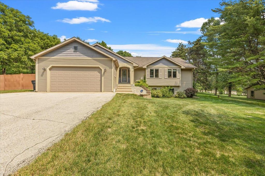 468 S Welsh Rd, Wales, WI 53183