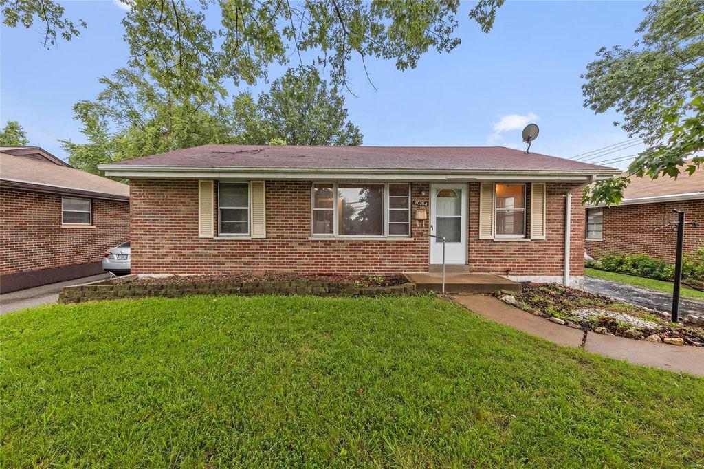 10254 Lackland Rd, Saint Louis, MO 63114