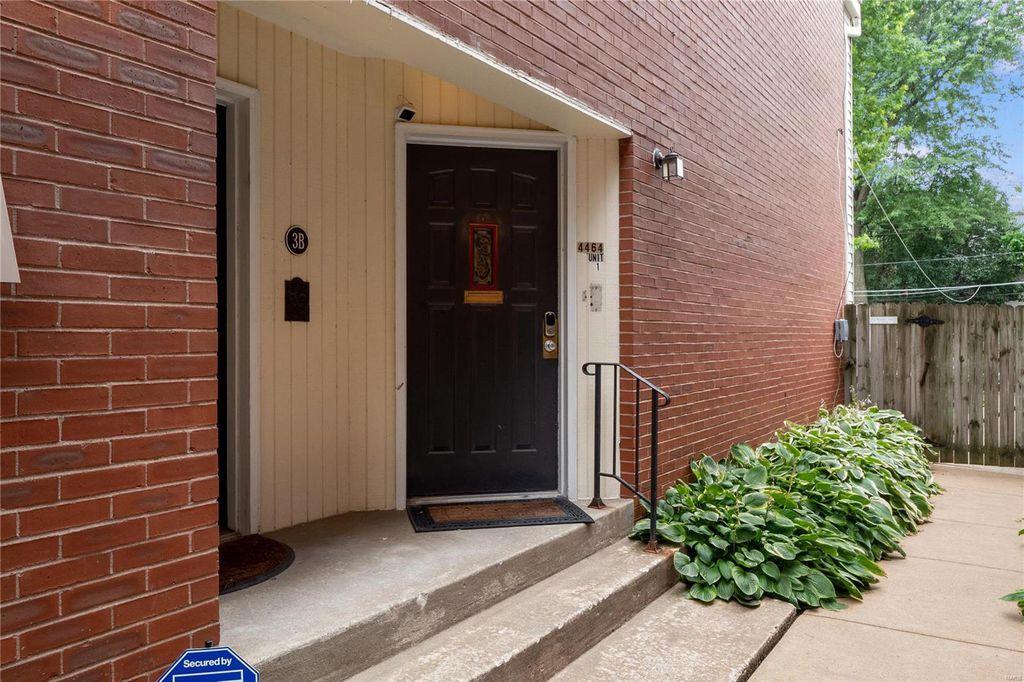 4464 McPherson Ave #3-D, Saint Louis, MO 63108