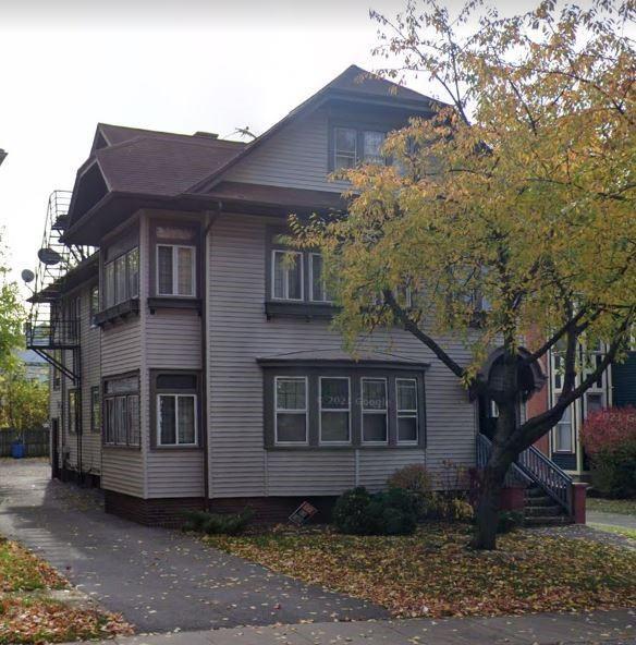 27 Lake View Park, Rochester, NY 14613