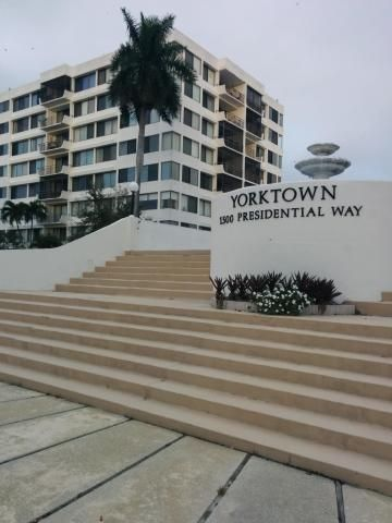 1500 Presidential Way #106, West Palm Beach, FL 33401