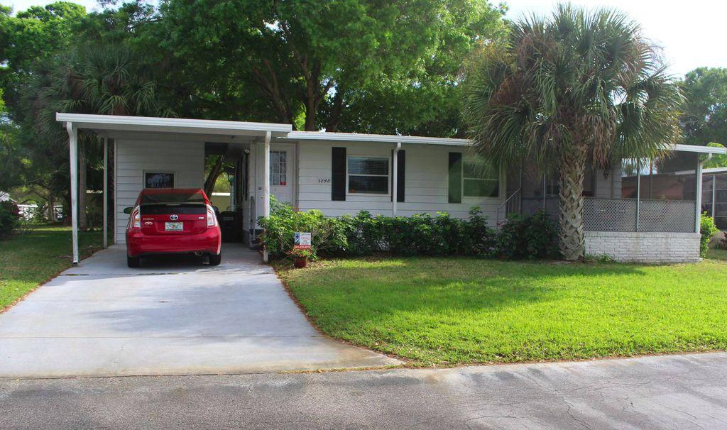 5848 Camelot Dr S, Sarasota, FL 34233
